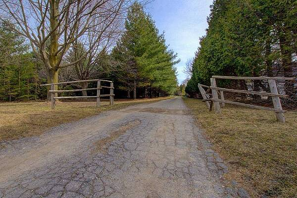 15067 Medway Rd, Middlesex Centre, Ontario